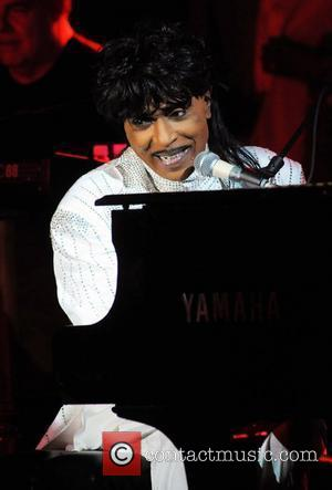 Little Richard Weds 20 Couples