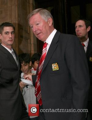 Sir Alex Ferguson Manchester United football team leaving The Landmark Hotel for their match against Portsmouth at Wembley London, England...