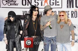 Tommy Lee, Motley Crue, Vince Neil