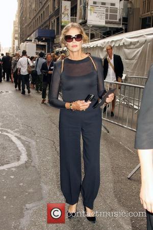 Lauren Hutton Mercedes-Benz Fashion Week Spring 2009- Calvin Klein - Outside Departures New York City, USA - 11.09.08