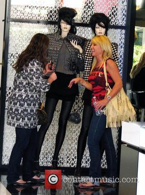 Pamela Bach  takes her daughter Hayley Hasselhoff shopping at Chanel for her 16th birthday Los Angeles, California -11.06.08