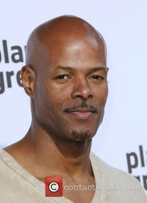 Wayans Divorces Wife