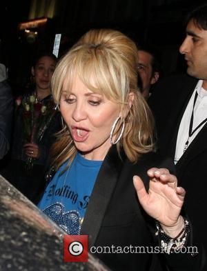 Lulu leaving the Hoping Foundation Benefit Evening at Ronnie Scott's featuring 'Karaoke With the Stars' London, England - 19-06-08