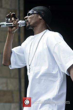 Snoop Walks The Line With Cash