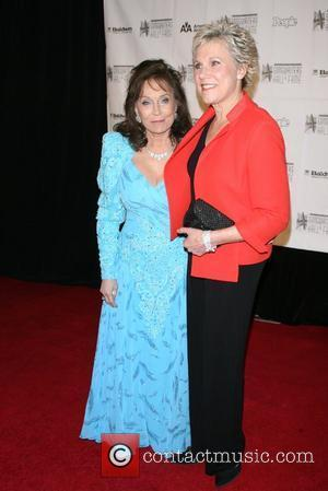 Loretta Lynn and Anne Murray