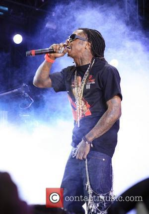Lil Wayne On Top For Fifth Week In U.s.