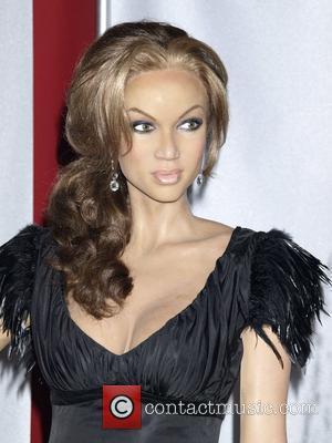 Banks Blasts Celebrity Models