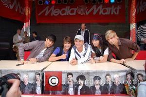 US5 signing autographs for 3 hours at Media Markt home electronic store on Alexanderplatz square Berlin, Germany - 09.07.08