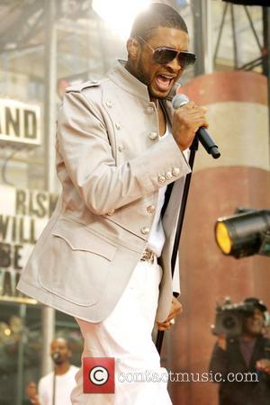 Usher And Foster To Have A Son