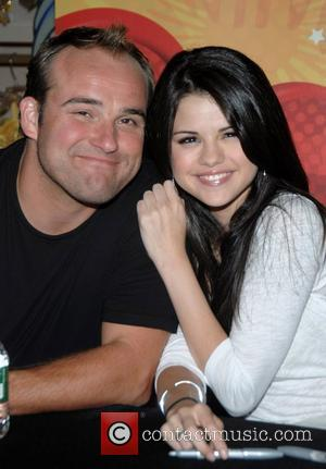 David Deluise, Gomez and Selena Gomez