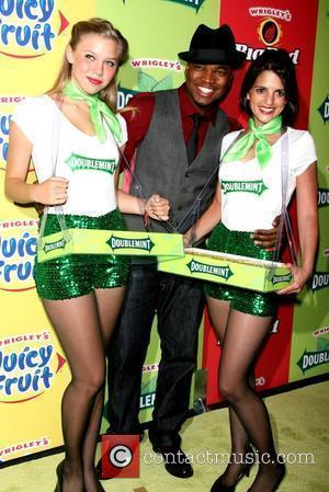Ne-yo and The Wrigley's Girls