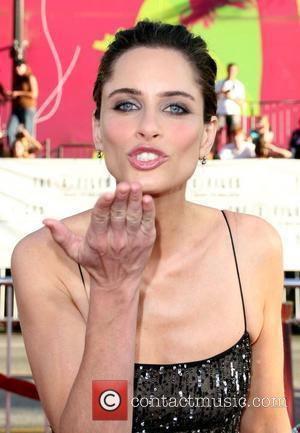 Amanda Peet and The X Files