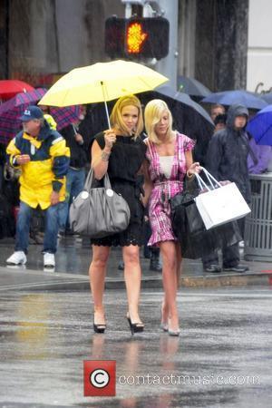 Jennie Garth and Tori Spelling