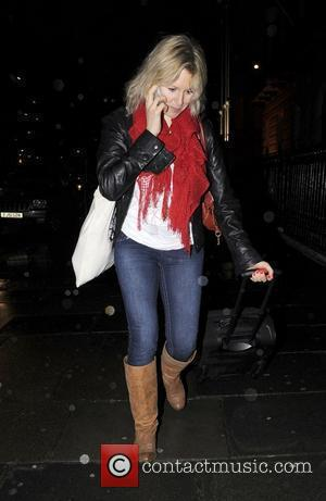 Abi Titmuss makes her way to a dance class in Central London London, England - 28.01.09