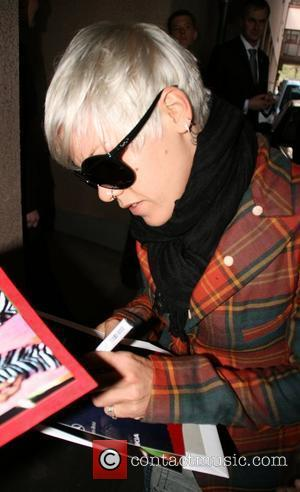 Pink aka Alecia Moore signs autographs for fans whilst leaving the Hyatt hotel in Cologne Cologne, Germany - 30.03.09