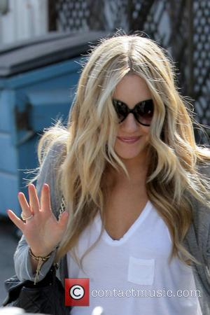 Amanda Bynes Arrested For Drugs Possession, Wears Blonde Wig [Video]