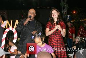 Peabo Bryson and Heather Tom