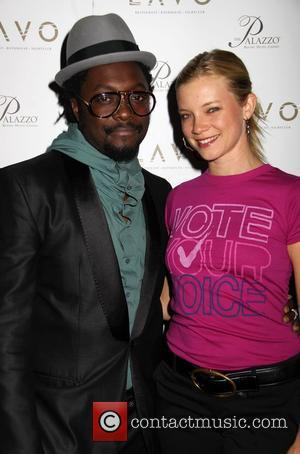 Will.i.am and Amy Smart