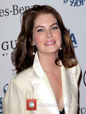 Lara Flynn Boyle Character Jumps To Her Death