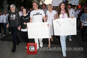 Luke Worell, Emmy Rossum, Kelly Osbourne, Perez Hilton and The Streets