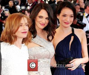 Huppert's Streetcar Slated By French Theatre Critics