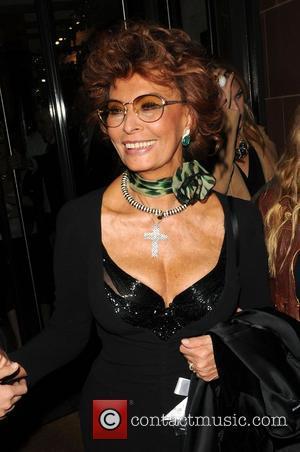 Sophia Loren outside Cipriani restaurant London, England - 01.10.08
