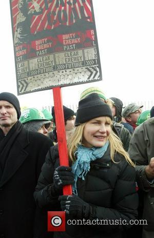 Daryl Hannah More than 40 environmental and other advocacy groups outside the Congressional Power Plant to protest against its use...