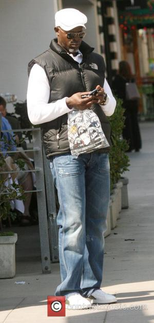 Djimon Hounsou takes a trip to the Apple store in Santa Monica. Los Angeles, California, USA - 07.03.09
