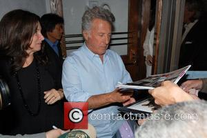 Dustin Hoffman signs autographs at Madeo Restaurant with wife Lisa Gottsegen Los Angeles, California - 28.04.09