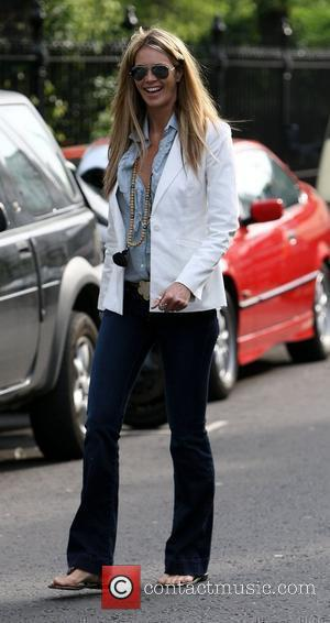 Elle Macpherson who recently returned from a trip to her native Australia drops her children off at school with a...