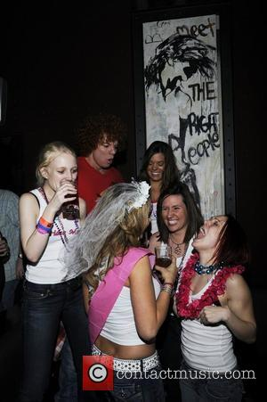 Carrot Top dances with a bridal party