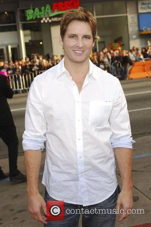 Peter Facinelli arriving at the Ghost of Girlfriends Past Premiere at Grauman's Chinese Theater in Los Angeles, California - 27.04.09