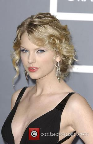 Swift Stunned By Sold-out Tour Date