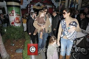 David Charvet and Brooke Burke Christmas shopping at The Grove with their children Los Angeles, California - 23.12.08