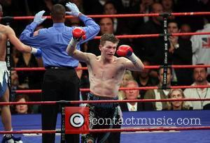 Ricky Hatton defeats Paul Malignaggi in a title defense fight for the IBO and Ring Magazine Junior Welterweight titles. Malignaggi's...