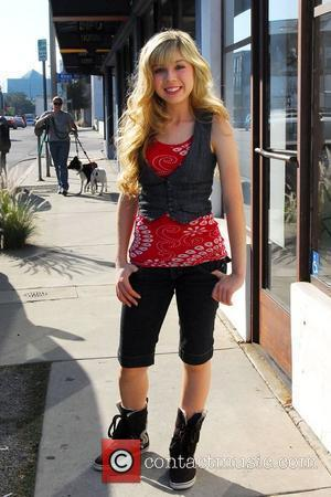 'iCarly' star Jennette McCurdy goes to a salon in Hollywood before going to a show for the Mercedes-Benz LA Fashion...