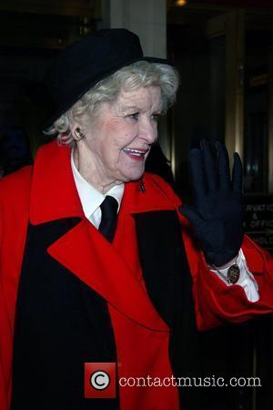 Actress Stritch Sued Over Broadway Show