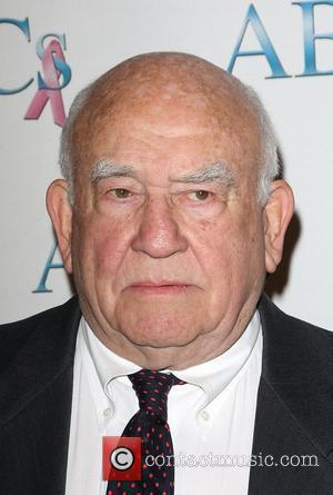 Ed Asner The John Wayne cancer institute honors James Caan Los Angeles, California - 22.11.08