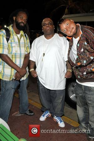 Earth, Wind + Fire Star Sues Over Termite-infested Condo