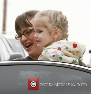 Jennifer Garner and Her Daughter Violet Affleck Out Shopping At Star Toys In Brentwood.