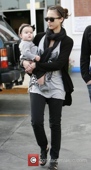 Jessica Alba and Daughter Honor Marie Have Lunch At Cafe Med At Sunset Plaza In West Hollywood.