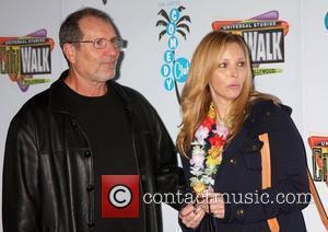 Ed O'Neill and Lisa Kudrow The Grand Opening of The Jon Lovitz Comedy Club held at Universal City Walk Los...