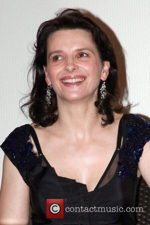 French actress Juliette Binoche  The Korean premiere of 'L'Heure D'ete' (Summer Hours) held at the Dong Soong Art Center....