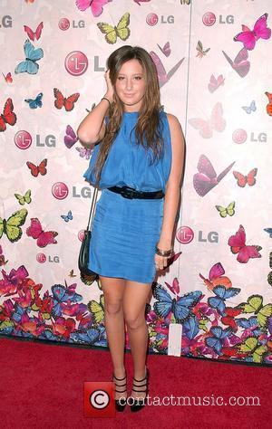 Ashley Tisdale and Heidi Klum