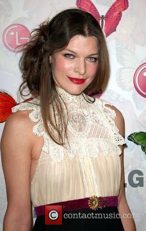 Jovovich Sets Wedding Date