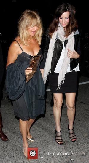 Liv Tyler and Goldie Hawn
