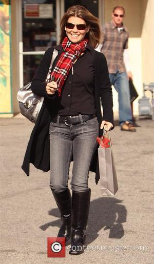 Lori Loughlin  leaving Briggs Wine and Spirits in Brentwood Los Angeles, California - 16.12.08