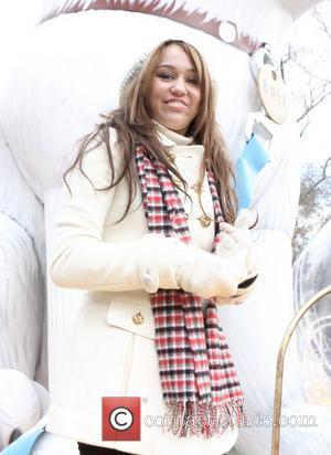 Miley Cyrus at the Macy's Thanksgiving Parade New York City, USA - 27.11.08