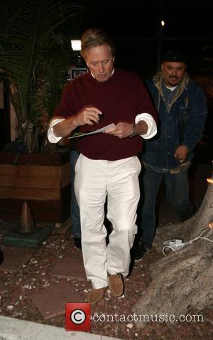Ice-cream Gift Brings Kirk Douglas To Tears