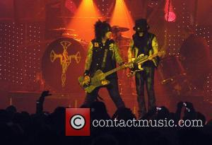 Sixx & Richards Dating?
